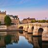 Lumière d'aurore sur Paris